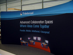 20' Curved Snap-Tube Fabric Display