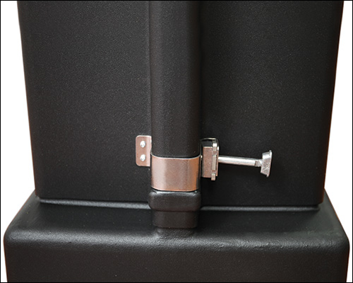 OCE Expandable Wheeled Shipping Case - Latch Detail