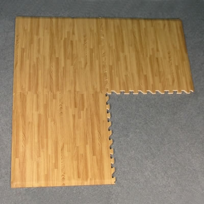 10' x 20' Comfort Tile Designer Interlocking Padded Flooring w/cord channeling